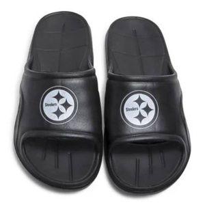 9f415b31 NFL Shoes   New England Patriots House Slippers   Poshmark